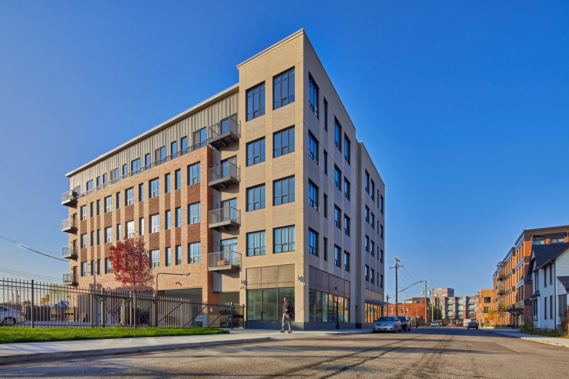 Upscale Apartments in Downtown Detroit   Elton Park Corktown